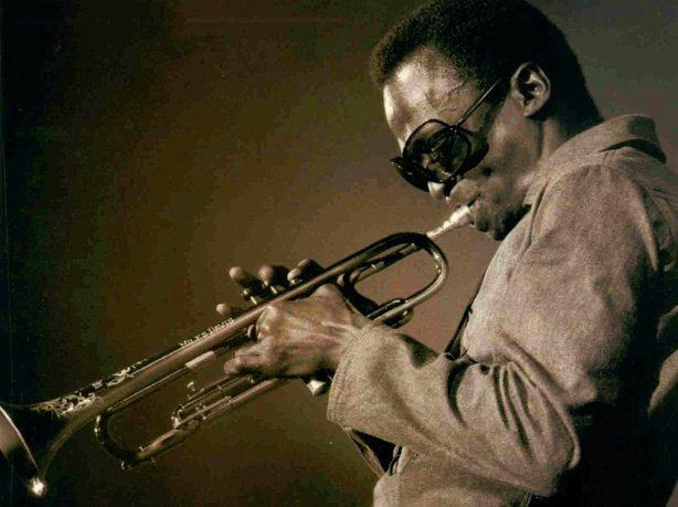 Miles-Davis-trumpet
